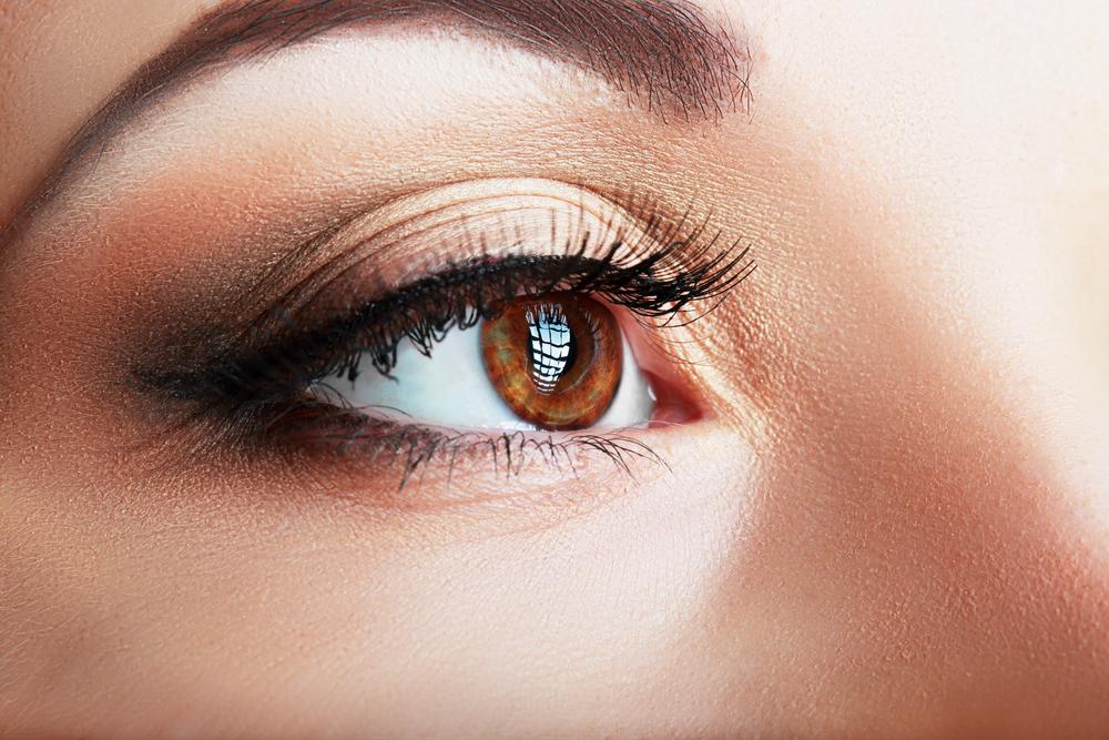 目頭切開のデメリット、腫れや内出血が長引いてしまう
